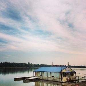 Ohio River. Elizabethtown, IL