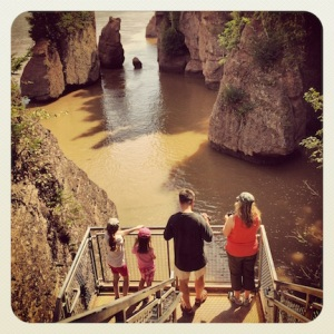 Tourists @ Hopewell Rocks